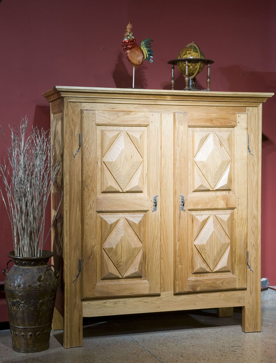 armoire en noyer cendr meubles des patriotes. Black Bedroom Furniture Sets. Home Design Ideas