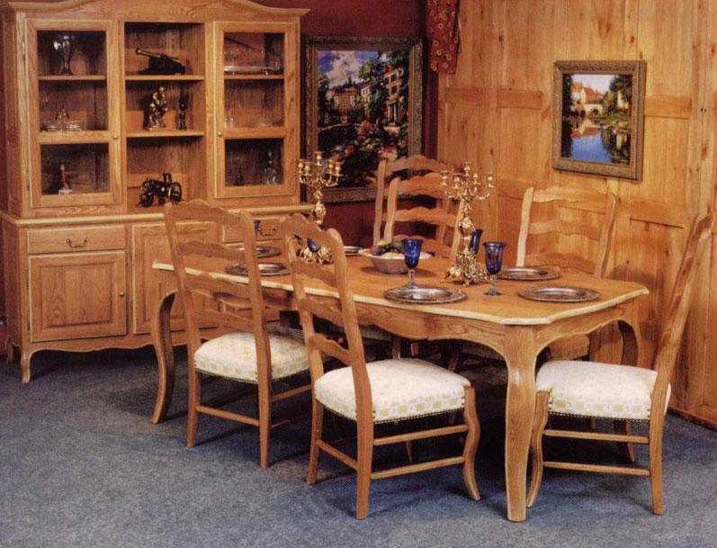 Meubles de salle manger table de bois massif faites for Chaise de salle a diner