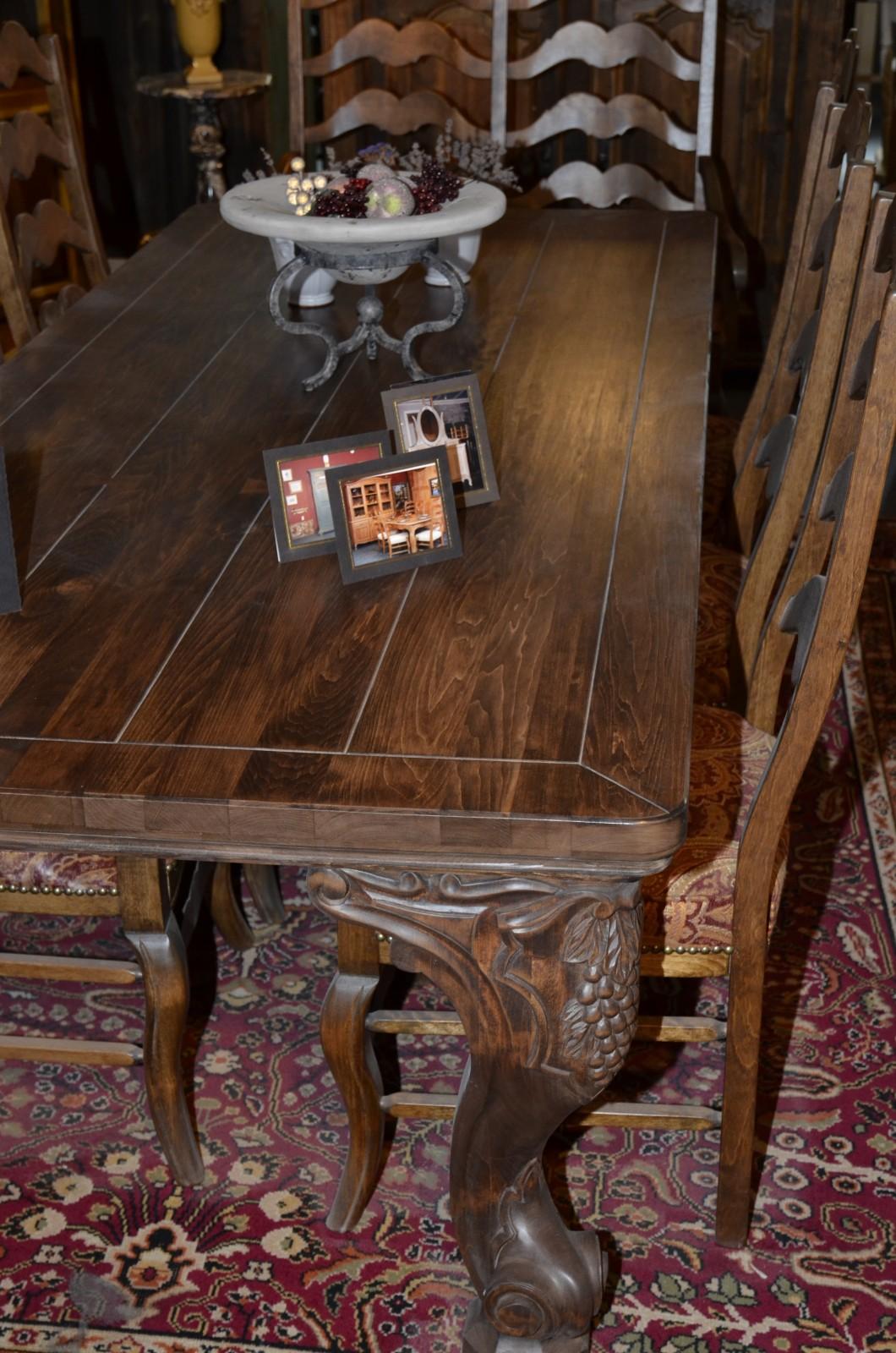 Meubles de salle manger table de bois massif faites for Meubles anciens montreal