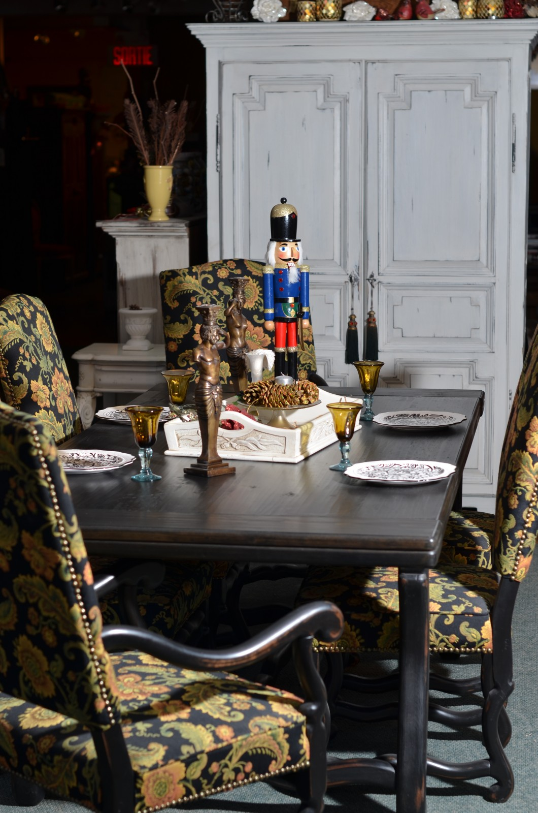 Reproduction Meuble Armoire Style Louisxvi Table Pin Rustique Os De Mouton Chaises Erable Rembourrees Patriotes Laval Montreal Jpg Meubles Des Patriotes