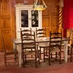 Table piètement fuseau et chaises capucines foin de mer