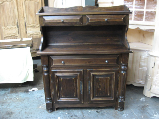 Meuble buffet huche pin erable massif patriotes laval for Buffet meuble montreal