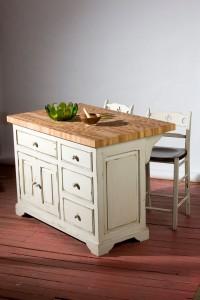 Meubles des Patriotes fabrique à la main et sur mesure des ilots 'bloc de boucher' en bois massif de pin et d'érable pour votre cuisine.